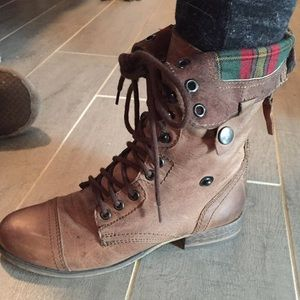 Steve Madden Lined plaid Combat Boots